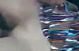 Киргизская пара снимает любительское порно на улице
