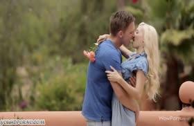 Русская пара красиво трахается под пение приц